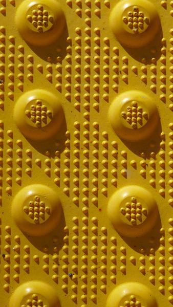Yellow dotz, Geraldine LiaBraaten