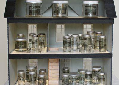Reiko Fujii and Manon Bogerd, Wandering Home with Glass Jars